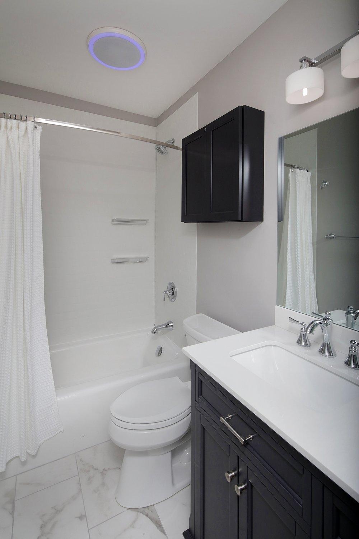 Large 2 Bed Guest Bath