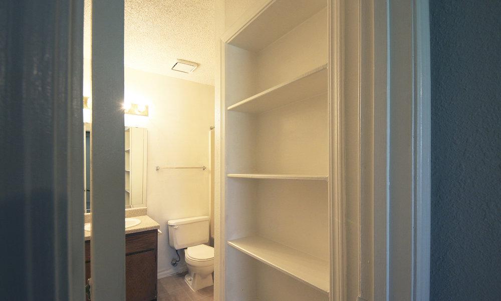 6062_hdp_stonebrook_int_flrpln2_closet.jpg