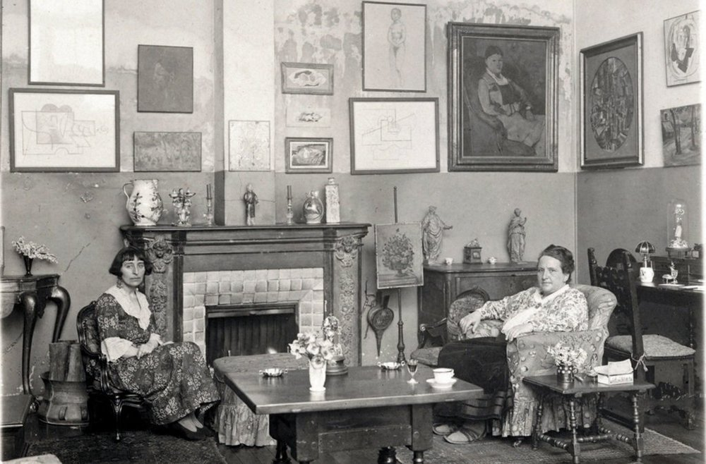 Gertrude_Stein_and_Alice_B_Toklas_dimanche_journal_Supper_Club.jpg