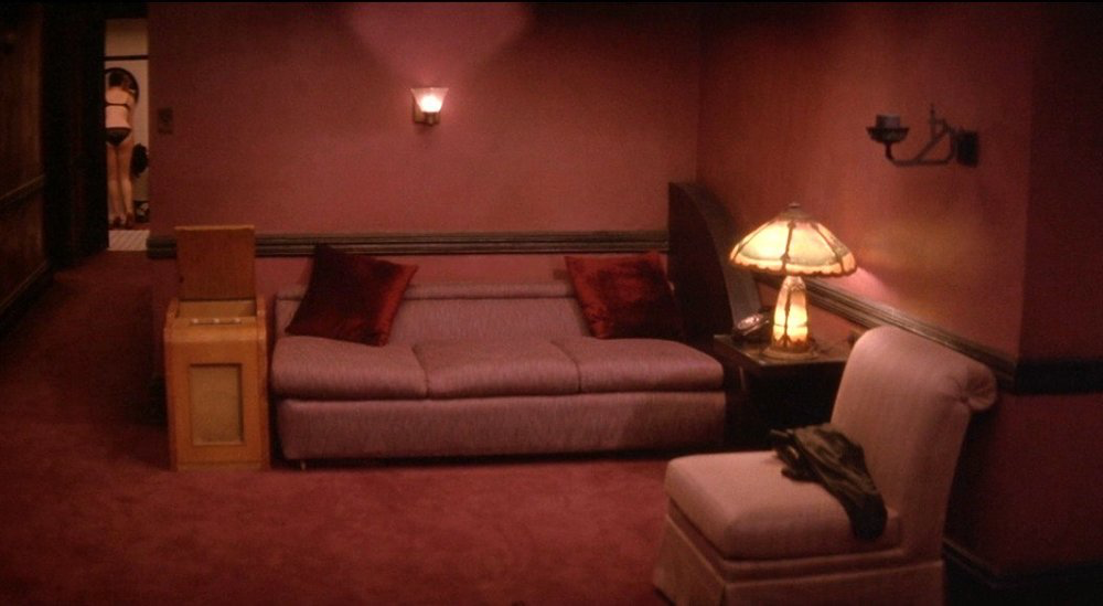 A clipping from a David Lynch production  inspired by Edward Hopper's paintings