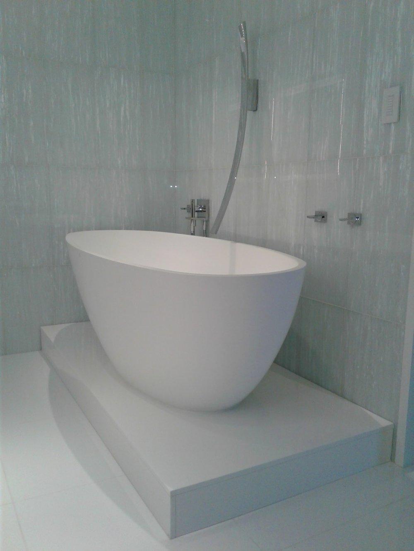 free standing tub.jpg