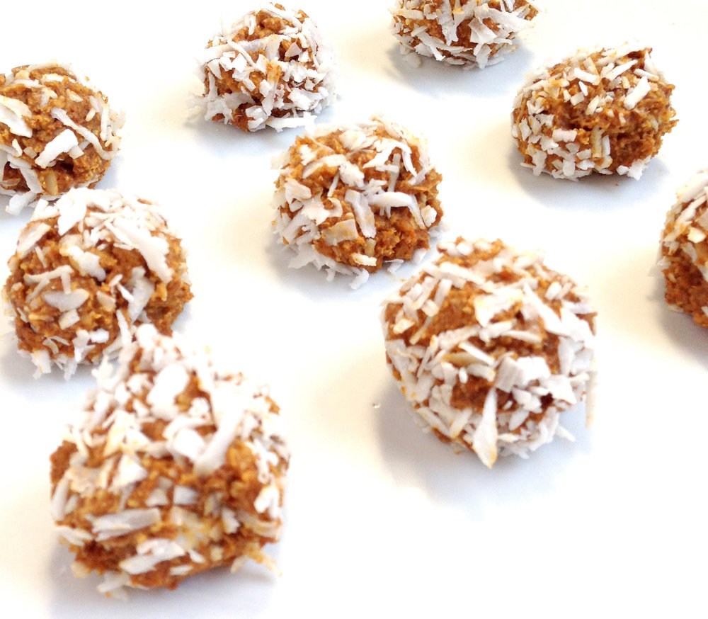 Pumpkin Protein balls. Fall treat and healthy eats.