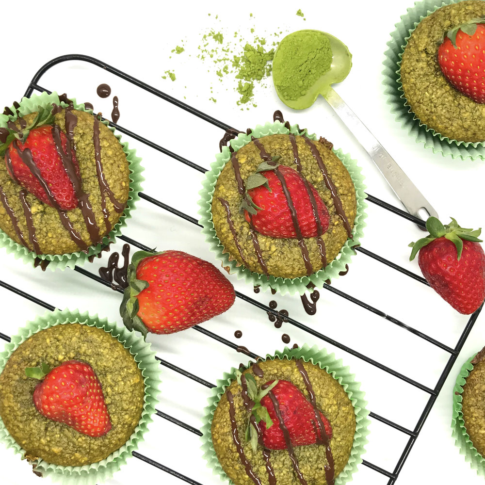 Matcha muffins are healthy and the perfect snack. Packed with antioxidants and energy. No sugar, no butter, no oil, dairy-free, vegan.