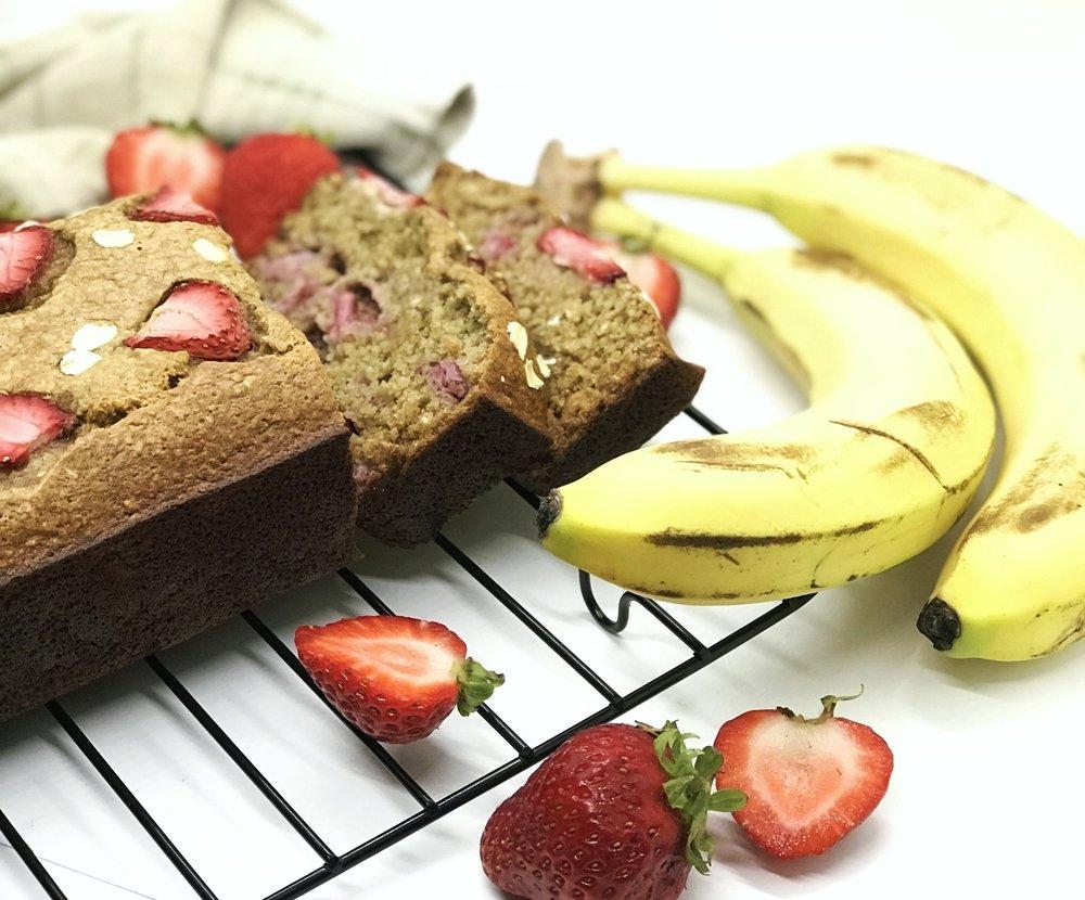 Healthy protein strawberry banana bread with no sugar, no flour, no oil, no butter. Moist and delicious.