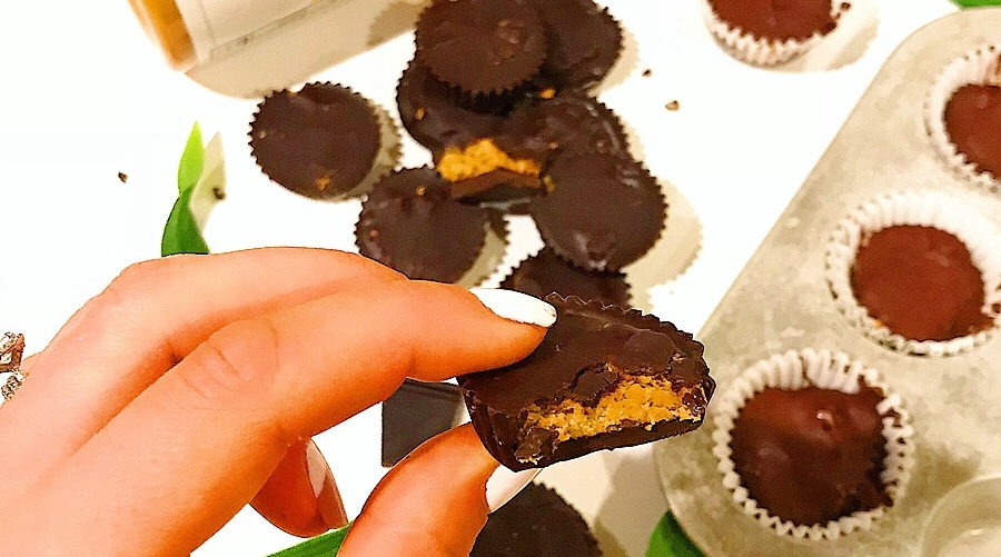 Healthy dark chocolate Reese's Cups! These are the perfect healthy treat and super simple to make.