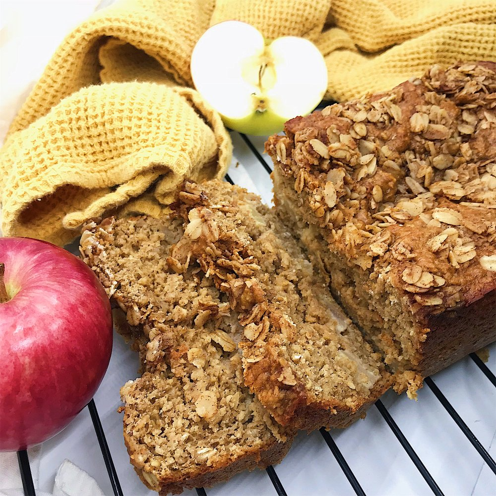Healthy and easy apple cinnamon bread! so sweet and moist but all clean ingredients.