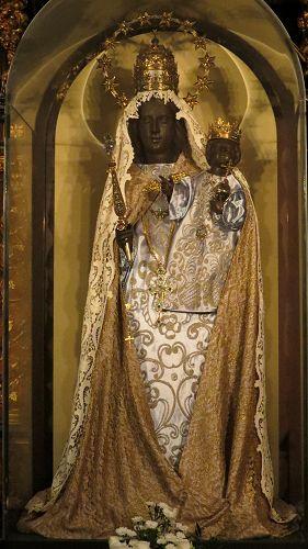 Cologne schwarze Madonna.jpg