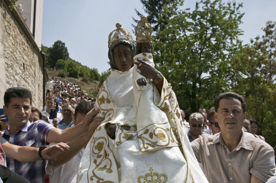 Letnica,procession.jpg