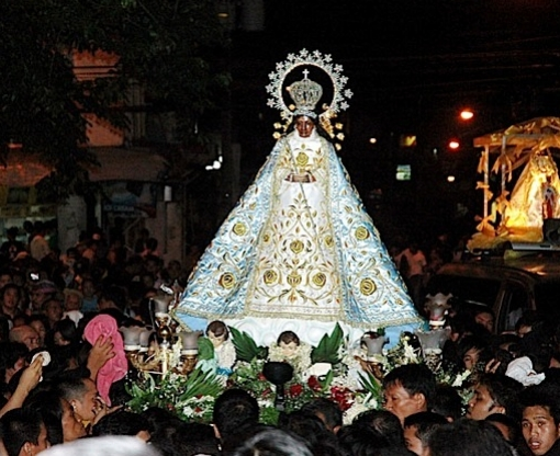 Piat,procession.jpg