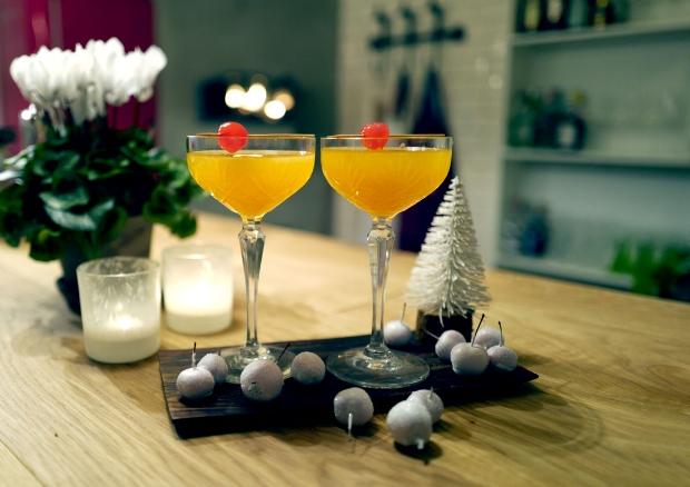 Den perfekte julecocktailen til to personer.  Foto:Helle Øder Valebrokk