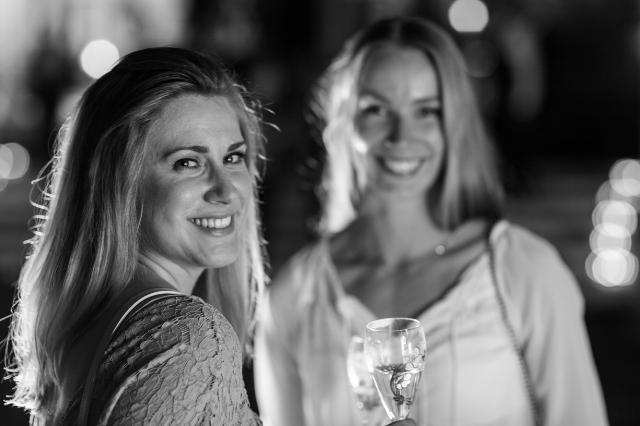 Mia Dalseng til venstre og Anniken England til høgre. Foto: Svein Lindin