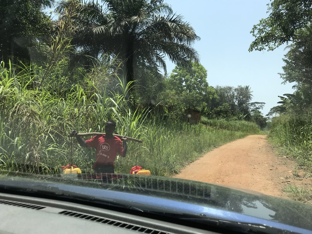 The road to Peima, Kono District