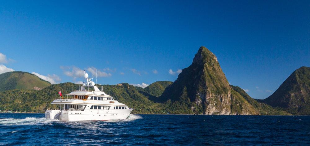 St-Lucia-Luxury-Yacht-Charter-Lady-J_7.jpg
