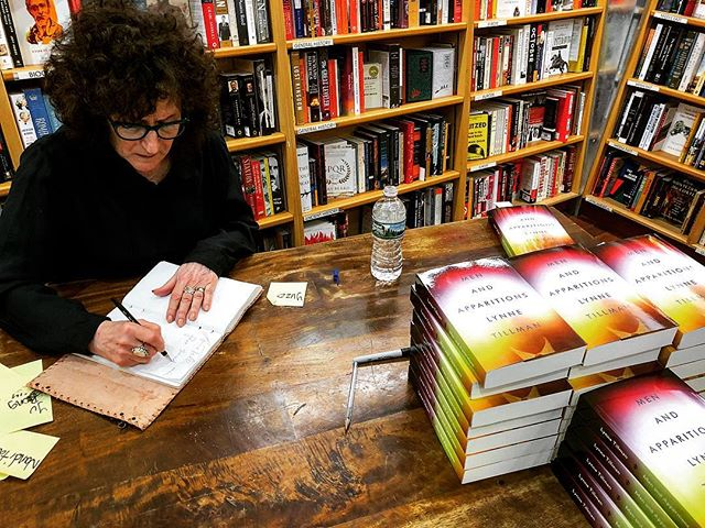 . the visionary Lynne Tillman serving up her Signature Sandwich at @mcnallyjackson after launching her most recent novel, Men and Apparitions, with Colm Tóibín. . #lynnetillman #menandapparitions  #colmtoibin #mcnallyjackson  #thesignaturesandwich #sandwich #book #readbookseatsandwiches #readabookinstead #read #eatasandwichandgetbacktowork #yourfavoritewriterstheirfavoritesandwiches #booksofinstagram #bookstagram #bookish #whatsyourfavoritesandwich #wordsaregood  #poetsandprosers #writerswritealways