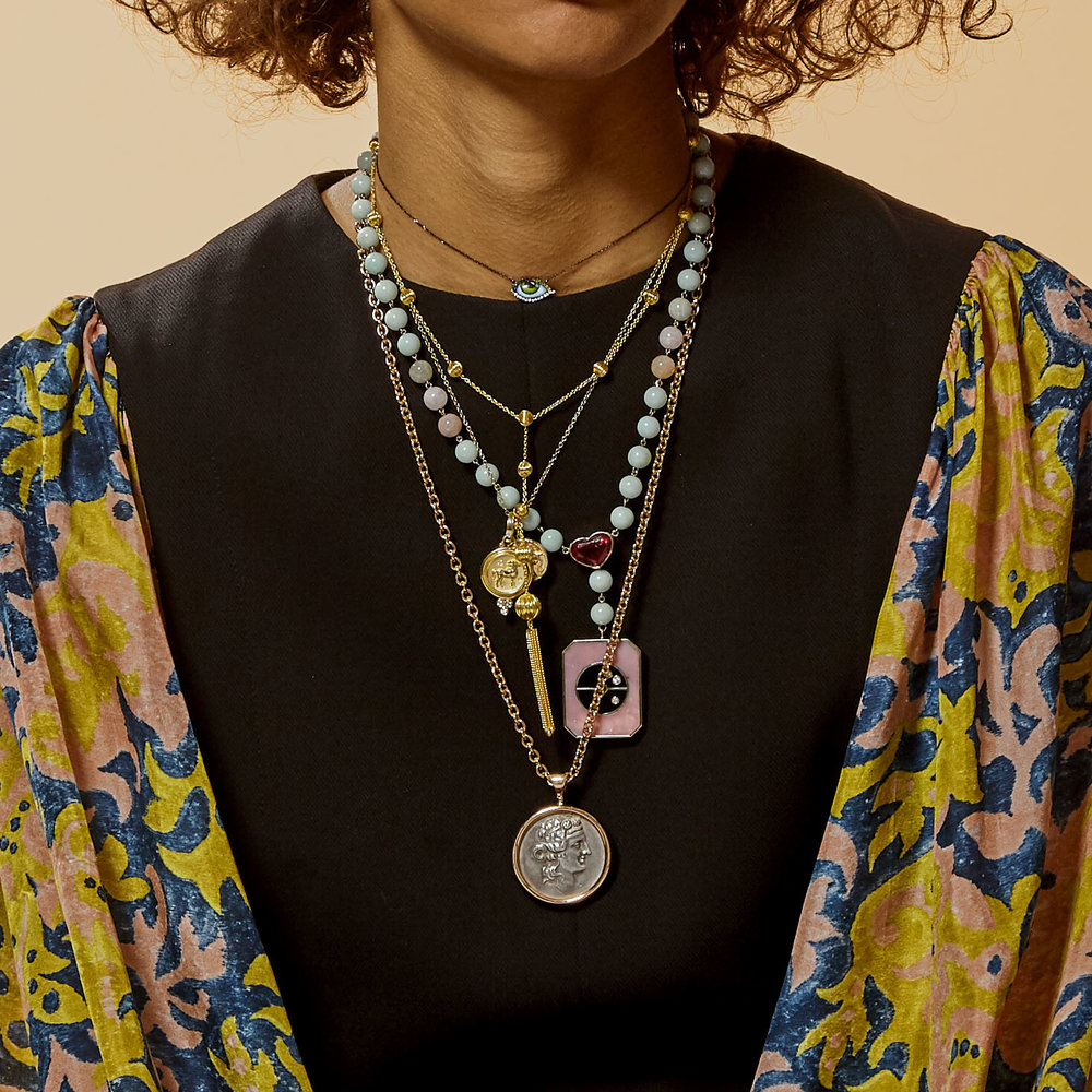 FMRV5_Chanel_Necklace_Layering_1649B.jpg