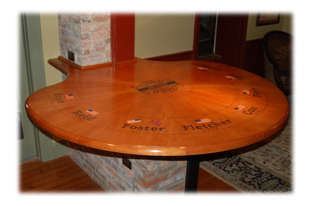 Superbe Moor Green Table