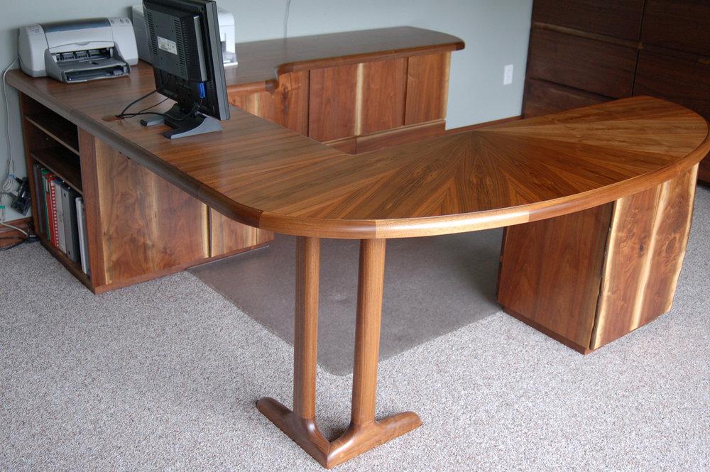 Ordinaire Marcum Desk