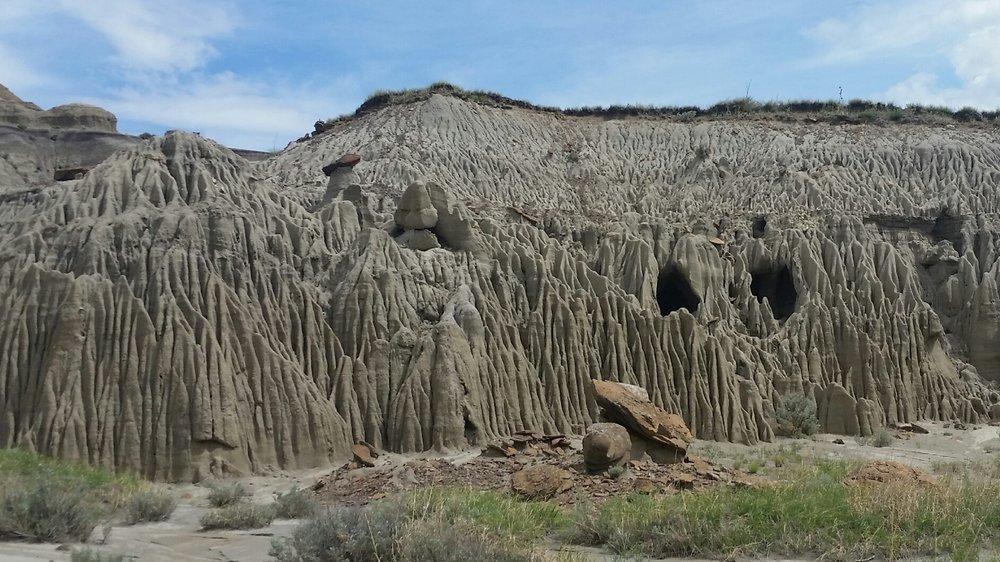 unique erosion on trail.jpg