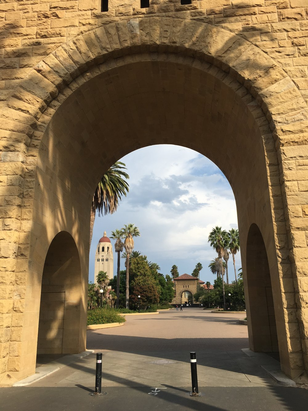 Hoover and Palms Through Arch.JPG