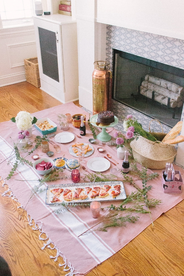 Creative date night ideas to do indoors during bad weather or cold winter months. Indoor picnic ideas and inspiration as a fun night in at Foragedhome.com