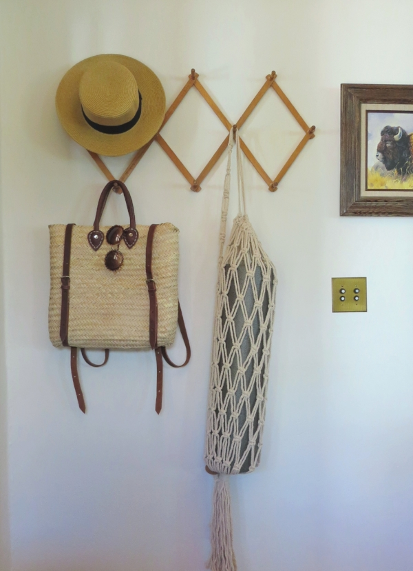 Entry way decor for small living space and entry way with boho decor vibes from Foraged Home