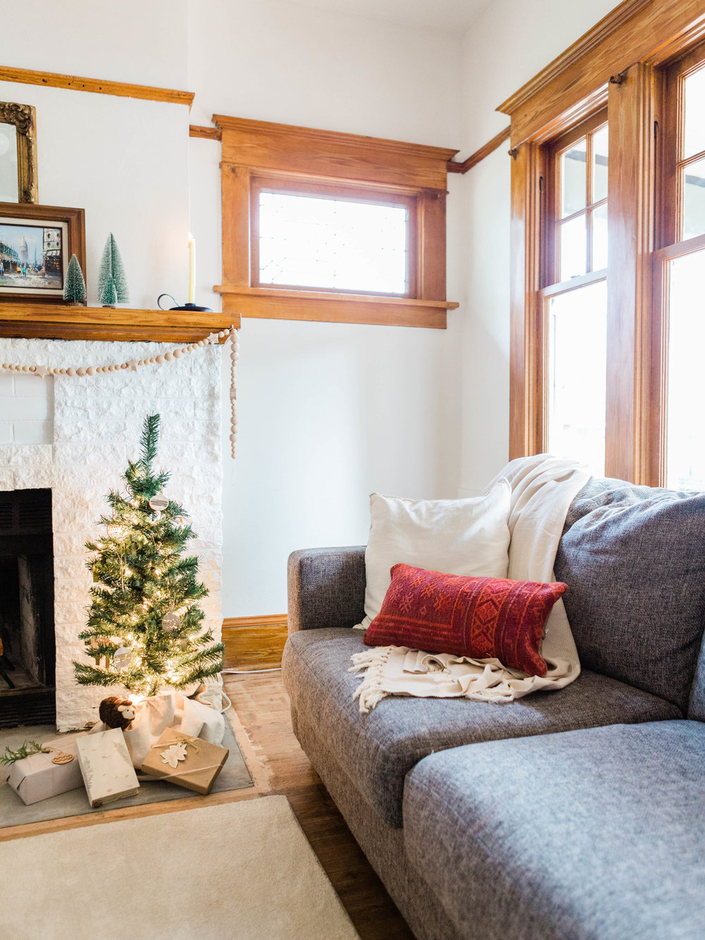 Simple and minimal holiday decor for your living room from Foraged Home
