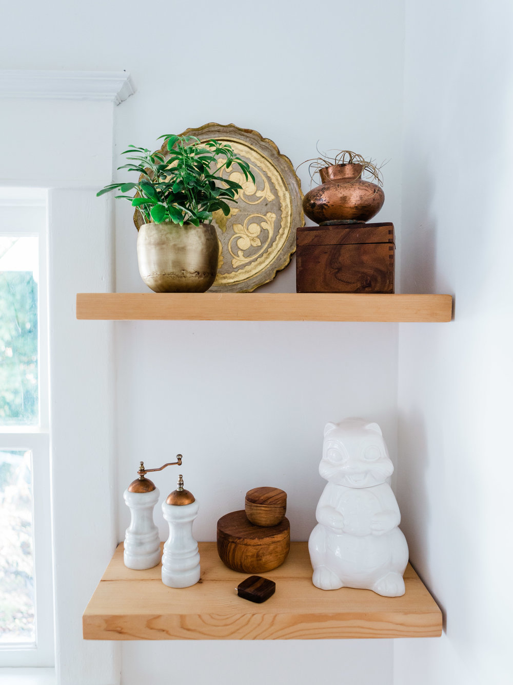 open shelving ideas for white kitchen with minimal design approach from foragedhome.com