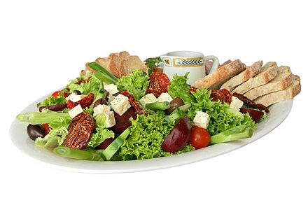 440px-Salad_platter.jpg