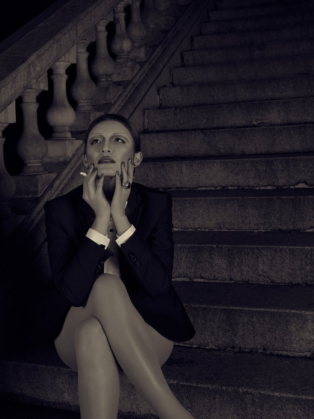 Marlene Dietrich B&W 1--UnknownManualCenter-weighted average.jpg