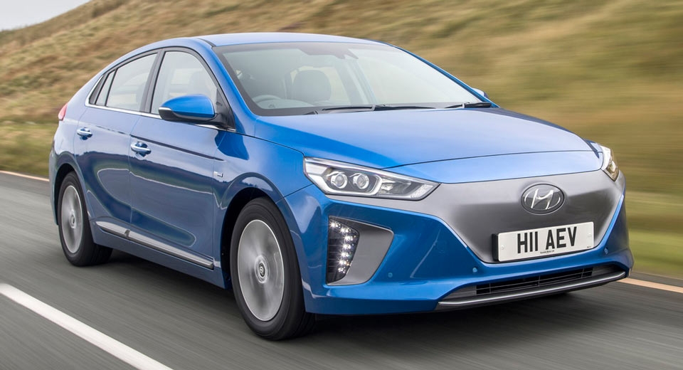 Hyundai Ioniq 16- - The Hyundai IONIQ offers modern conventional styling. With a real world range of 200kms per charge is extremely competitive in todays line up.