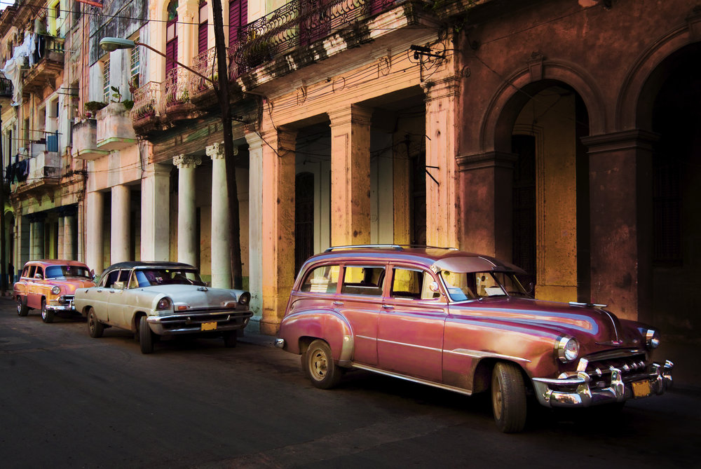 Colourful Cuba - Discover colourful Cuba for a fascinating insight into the unique history, politics and culture.