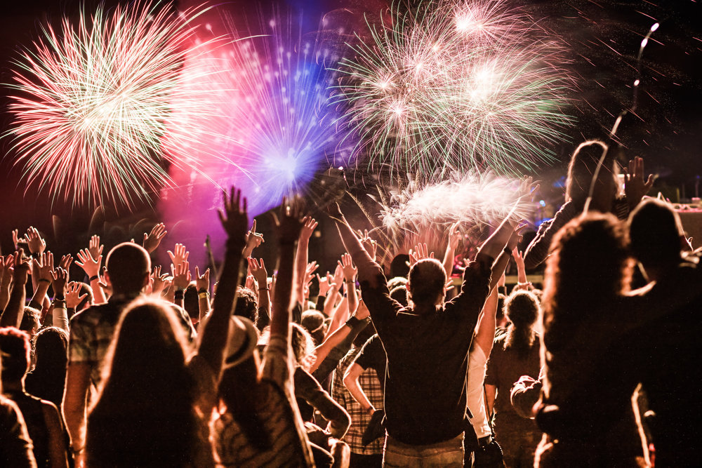 crowd image fireworks_516097642.jpg