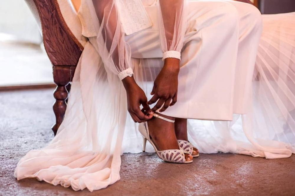 weddingshoes2..png