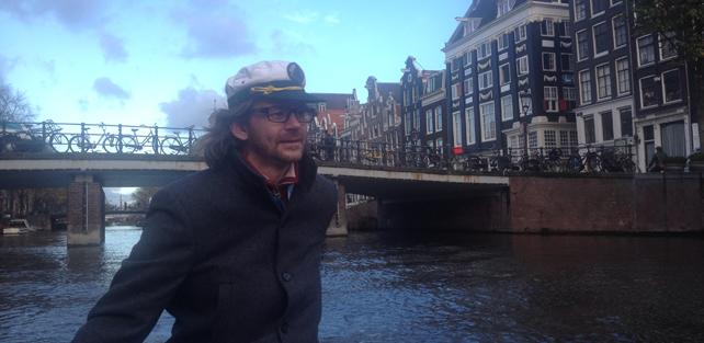 Katptein Carsten på kanalene i Amsterdam