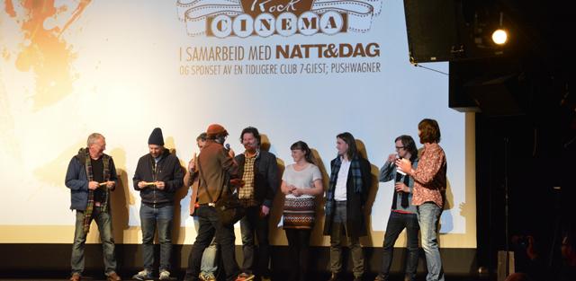Crewet får smil som takk for arbeidet på Club 7 – fra premieren på Rock Cinema