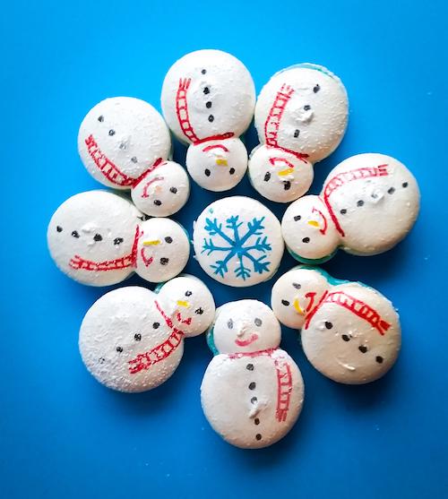 Snowman and Snowflake Deco Macaron (1).jpg
