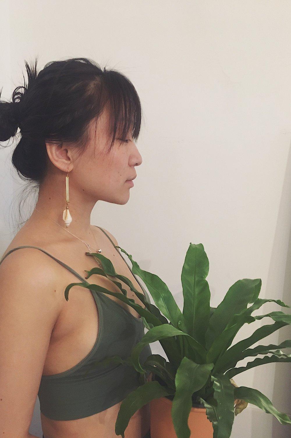 Yilei wearing    Undersea Walk Earrings