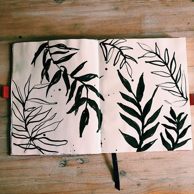 Doodling leaves today 😍 . . . . . . . #art #illustration #drawing #draw #picture #artist #sketch #sketchbook #paper #pen #pencil #artsy #instaart #beautiful #instagood #gallery #masterpiece #creative #photooftheday #instaartist #graphic #graphics #artoftheday #beautiful #leaves