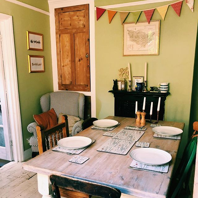 Ready for lunch at the Fishers 💛  #shabbychic #countryhome  #interiordesire #interiordetails #shabbychic #vintage #homedecor #interiordesign #shabby #homesweethome #interior #home #interiors #antiques #handmade #furniture #farmhouse #bunting #decor #shabbychicdecor #homedesign #interiordesigner #garden #glass #walldecor #summer #love #rustic #decoration #boho
