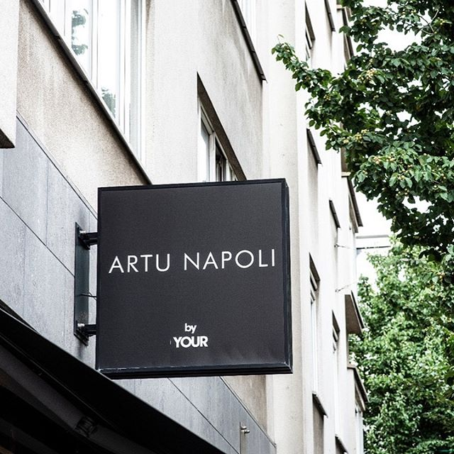 ARTU NAPOLI⠀ 📸 @socialmedhi  Cashmere, fine shirting and luxury clothing. #anverse #photography #art #streetphotography #sky #city #travel #photooftheday #instagood #streetstyle #love #style #fashion #photo #architecture #picoftheday #life #ig #nature #photographer #streetart #like #bw #landscape #antwerpen #interior #Kloosterstraat