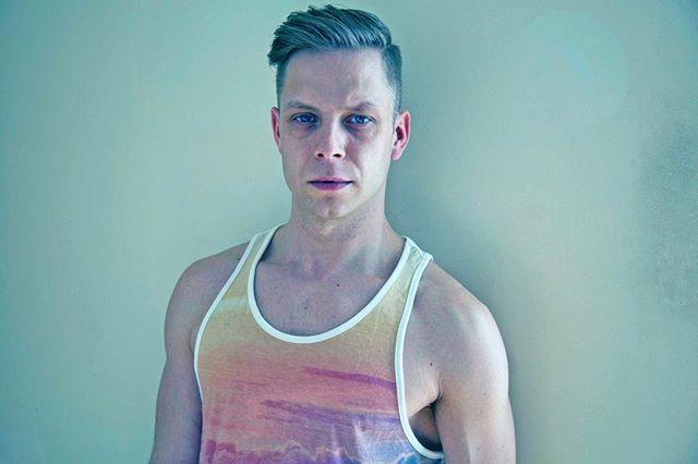 #me by @smreczko #stefanmreczkophotography #stefanmreczko #gay #gayman #justme #pensive #lookmomASHIRT