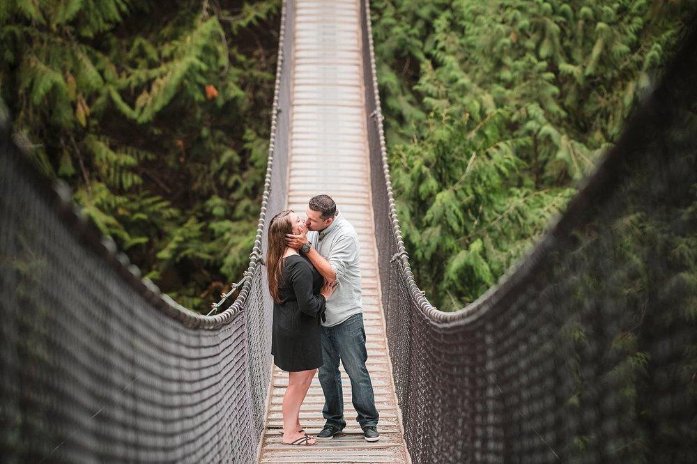 Capilano-suspension-bridge-nature-outdoor-engagement-wedding-location-photography