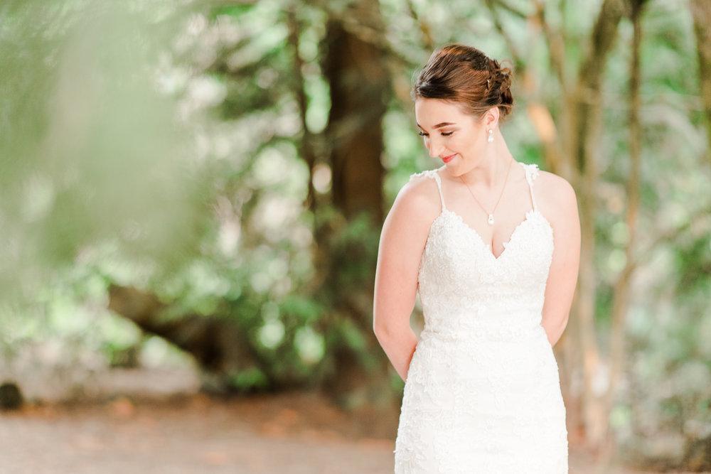 natural creative wedding photography style explained wedding photographer Lisa Lander.