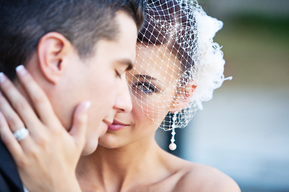 Nelly Saraiva - Feel the same emotions when you look at your images as you felt on your wedding day.