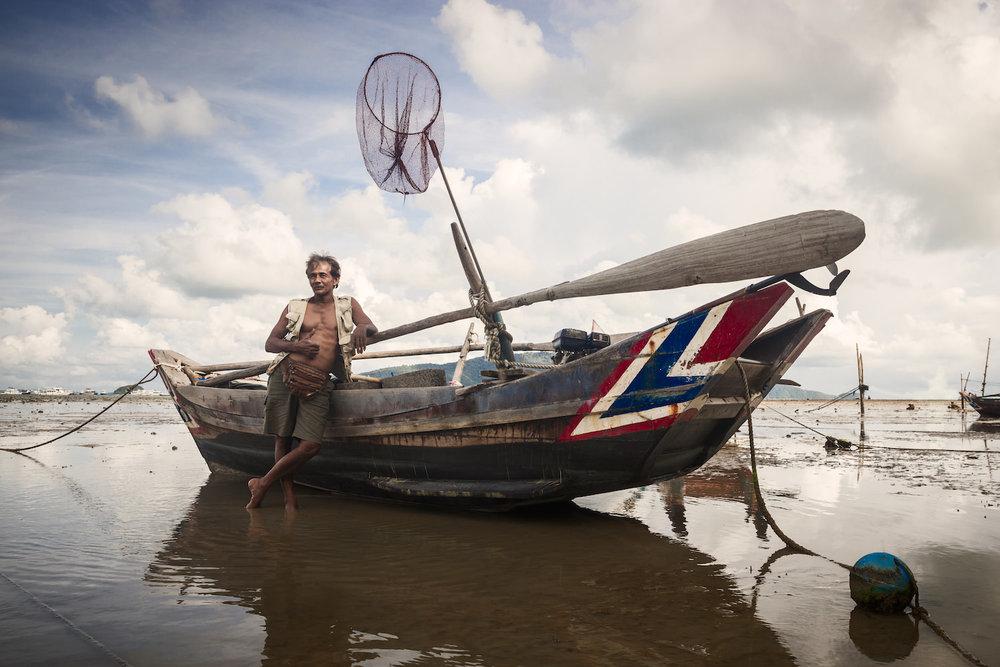 Thailand_BoatMan.jpg