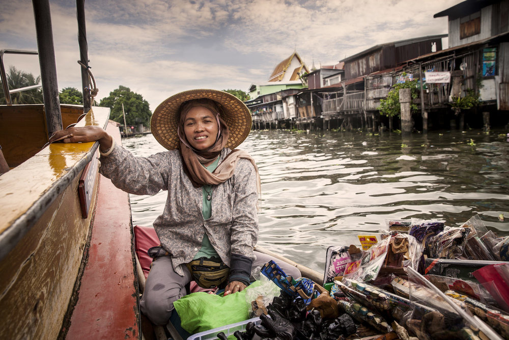 Thailand_BoatWoman.jpg