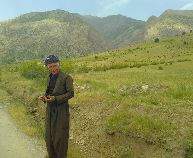 Kak Bapir welcoming CPTers at his home village. Photo by: Daan Savert