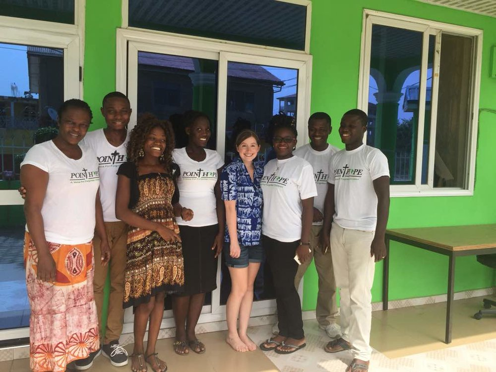 Point Hope Ghana staff with Gillian, a volunteer from Oregon, in front of the Volunteer House.