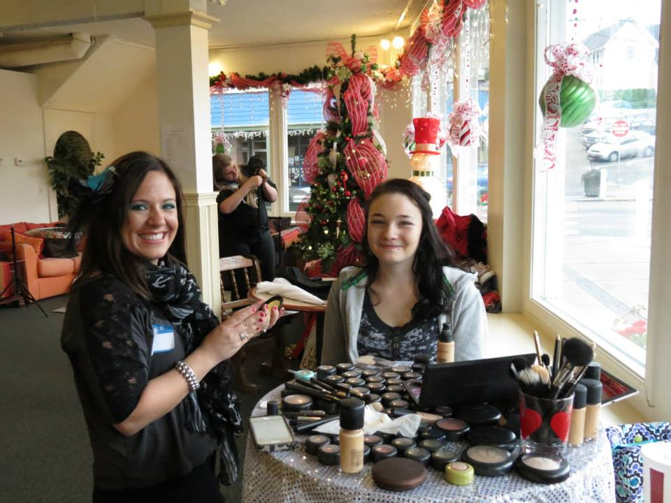 2013 MAKEUP TABLE.jpg