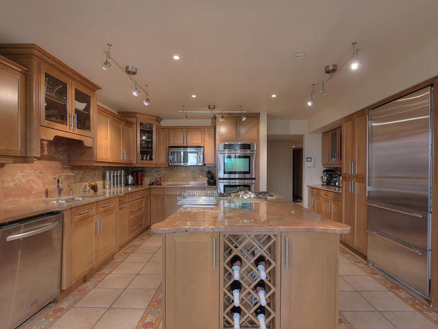 3 - 127 Quesnell Cres Kitchen.jpg